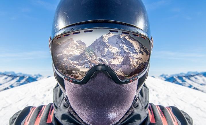 Photo profil dun skieur ou snoboardeur